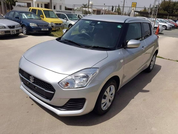 SUZUKI  SWIFT 2019  SILVER